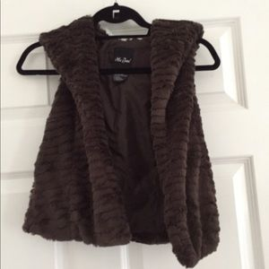 Me Jane brown fur vest